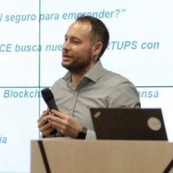 Óscar Paz