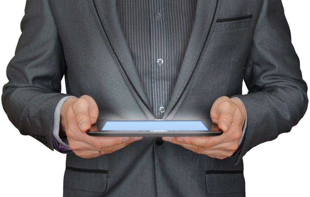 tablet_hombre