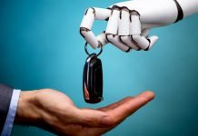 Robot entrega llaves auto a humano