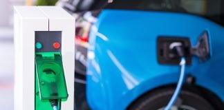 coche eléctrico recarga batería estación de recarga