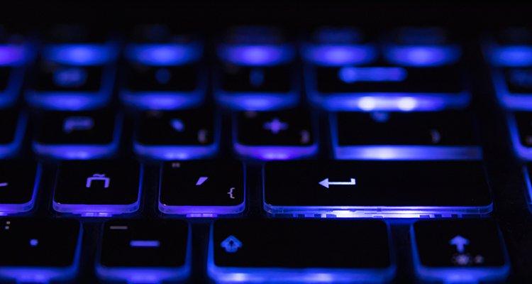 teclado ordenador teclas negras iluminadas